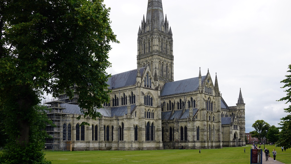 Salisbury Cathedral, Salisbury, England, begun 1220, photo: Dr. Steven Zucker (CC BY-NC-SA 4.0)