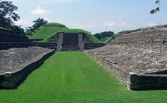 El Tajin Ball Court, c. 800 - 1200 C.E., Classic Veracruz Culture (photo: Oscar Zorrilla Alonso, CC BY-SA 2.0) https://flic.kr/p/9z9E3h