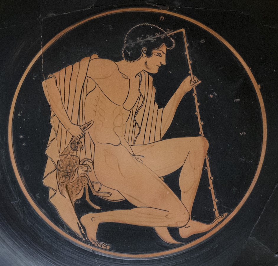 Attic Red-Figure Kylix; Archilles fights Memnon exterior; Half-kneeling Youth with Staff and Hare, c. 500 B.C.E. (Agora Museum, Athens)
