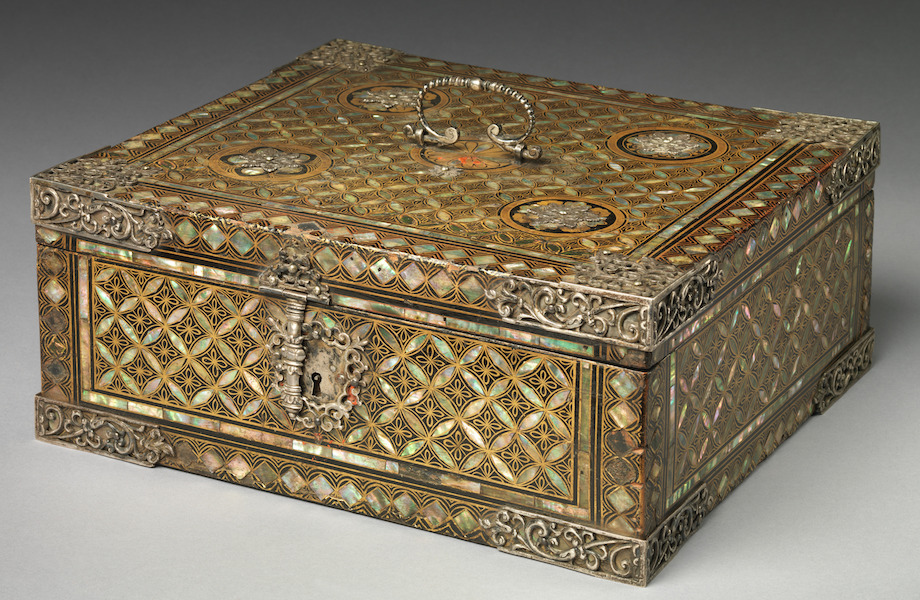 Storage Box in Nanban (Southern Barbarian) Style, 16th century, Storage Box in Nanban (Southern Barbarian) Style, 14 cm x 32.1 x 28.9 cm (The Metropolitan Museum of Art)