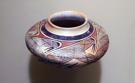 Nampeyo (Hopi-Tewa), polychrome jar, c. 1930s, clay and pigment, 13 x 21 cm (National Museum of the American Indian, Smithsonian Institution).