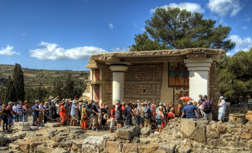 Visitors to Knossos, 2016, photo: Neil Howard, CC BY-NC 2.0