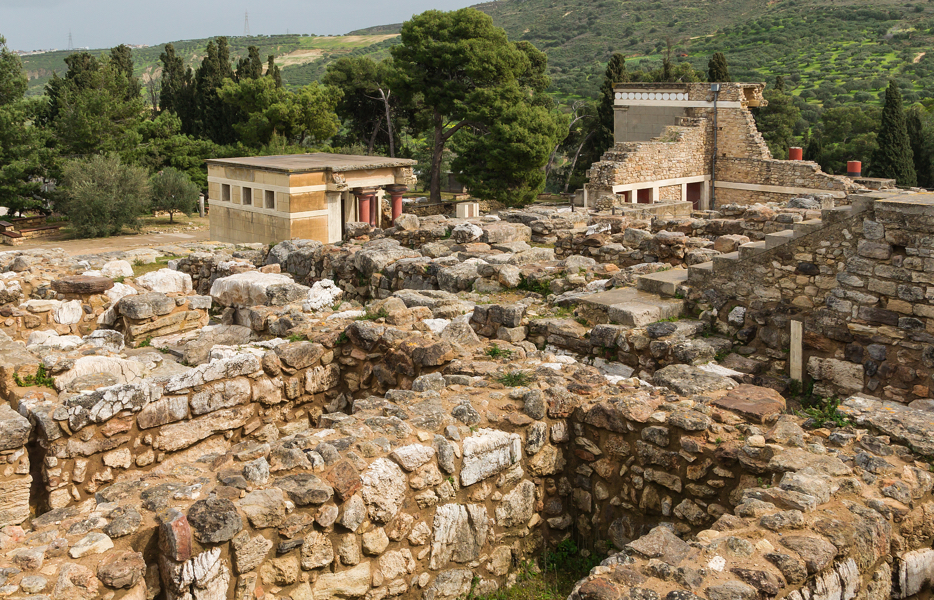 """Palace"" at Knossos, Crete (photo: Jebulon, public domain)"