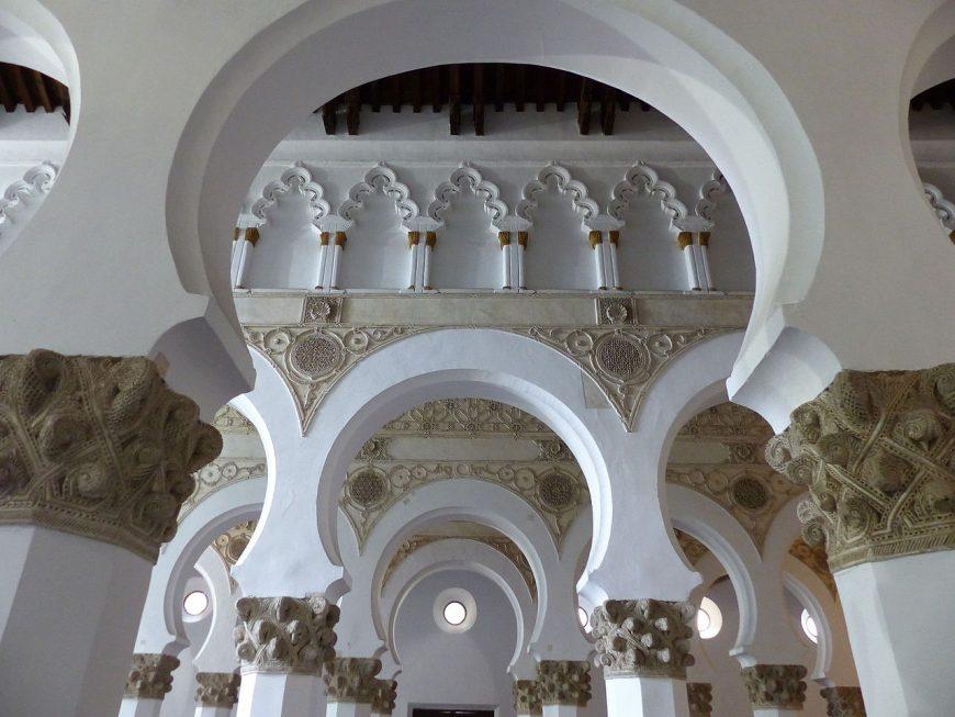 Ibn Shoshan Synagogue (now Santa María la Blanca), first built 1180, Toledo, Spain (photo: Benjamín Núñez González, CC BY-SA 3.0)