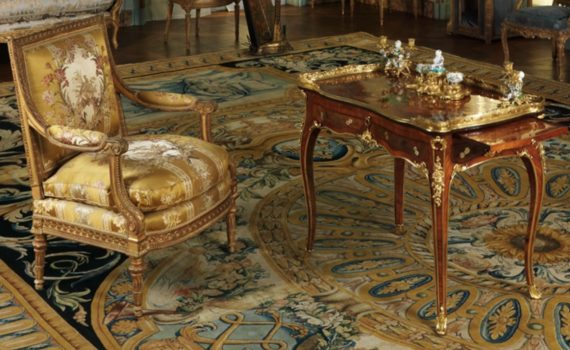 In situ, Bernard II van Risenburgh, Writing table (Table à écrire), c. 1755, oak veneered with tulipwood, kingwood, amaranth, mahogany, ebony, mother-of-pearl, stained horn; gilt-bronze mounts and modern velvet, 78.1 x 96.5 x 57.5 cm (The Metropolitan Museum of Art)