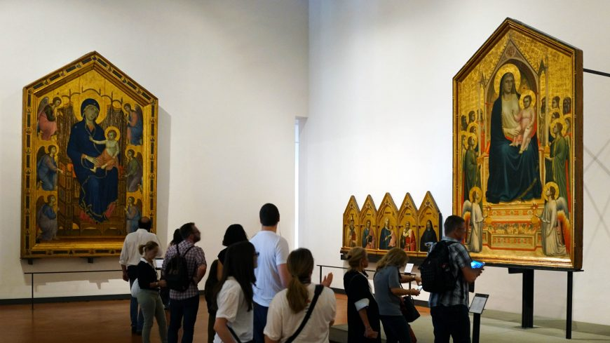 Gallery view with panels by Duccio and Giotto, Galleria degli Uffizi, Florence