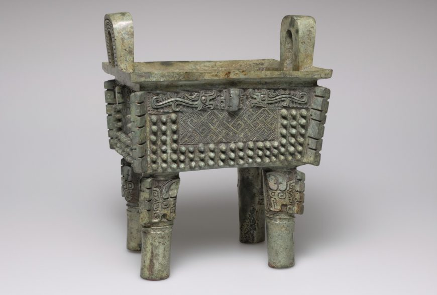 'Fangding' Ritual Food Vessel with Abstract Decor, 14th-11th century B.C.E., China, Shang dynasty, cast bronze, 21.7 x 17.1 x 15.2 cm (Harvard Art Museums)