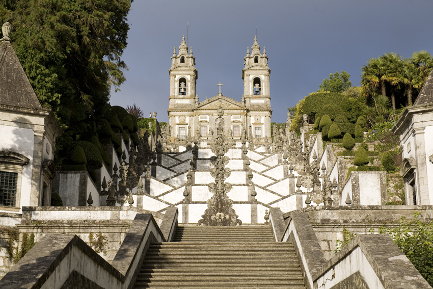 Bom Jesus do Monte, 1590, Braga, Portugal (photo:, PMRMaeyaert, CC-BY-SA-3.0)