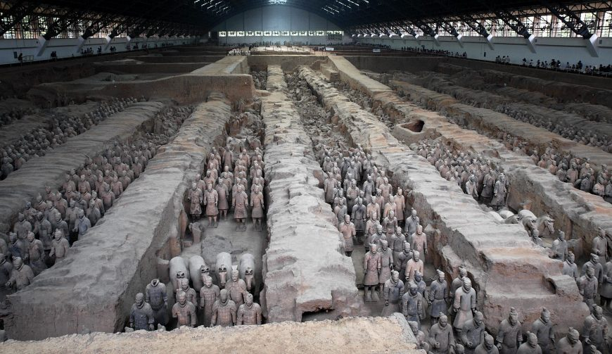 Mausoleum of Emperor Qin Shi Huangdi, Overview Image of Pit 1 (photo: mararie, CC BY-SA 2.0)