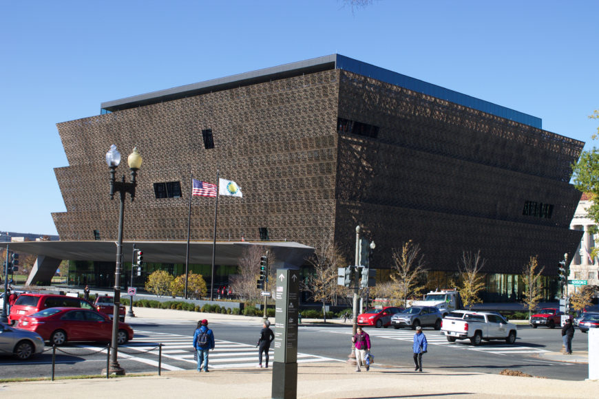 David Adjaye Associates, National Museum of African American History and Culture (photo: Mondoo59, CC BY-SA 4.0)