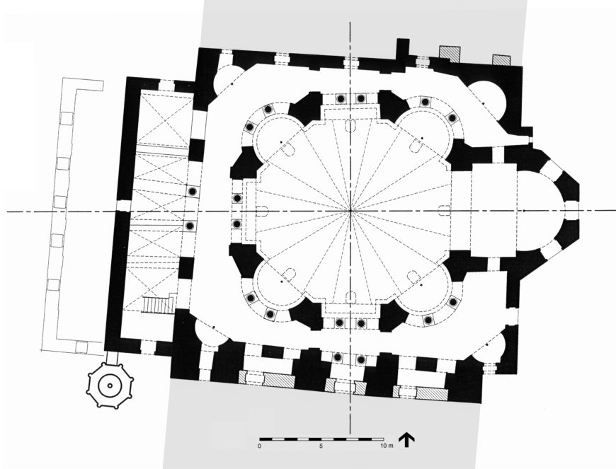 Plan of Sts. Sergius and Bacchus (Küçük Ayasofya Camii), Constantinople (Istanbul), completed before 536 (© Robert G. Ousterhout, redrawn after J. Ebersolt and A. Thiers, Les Églises de Constantinople, 1913)