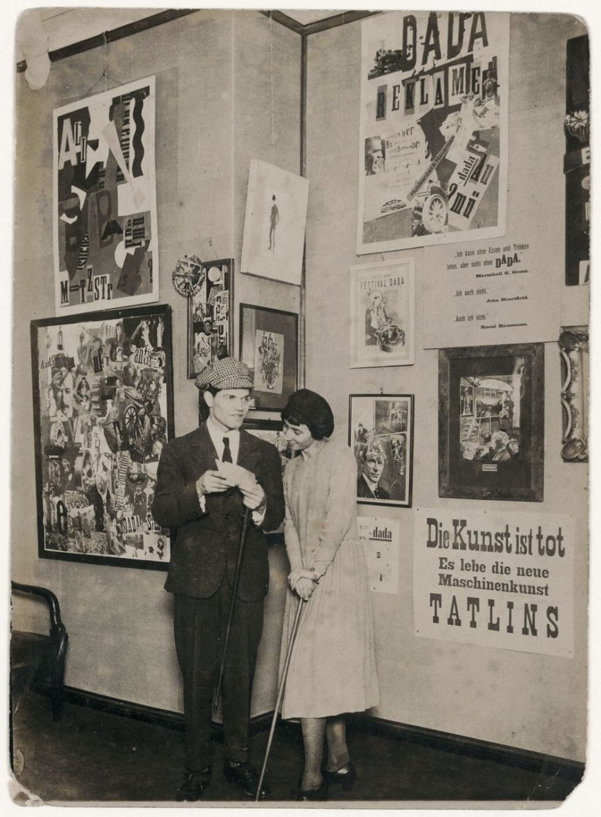 """Erste Internationale Dada-Messe"", Berlin 1920, Raoul Hausmann and Hannah (Hannah-Höch-Archiv, © Foto: Robert Sennecke)"