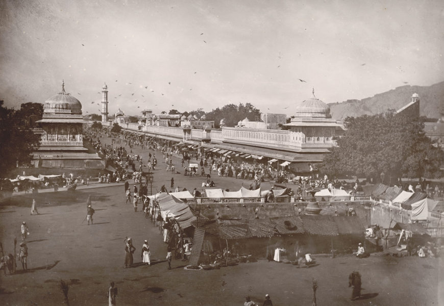 Deen Dayal and Lala, Street view, Jeypur, 1895, photograph, 28 x 19.2 cm (The British Library)