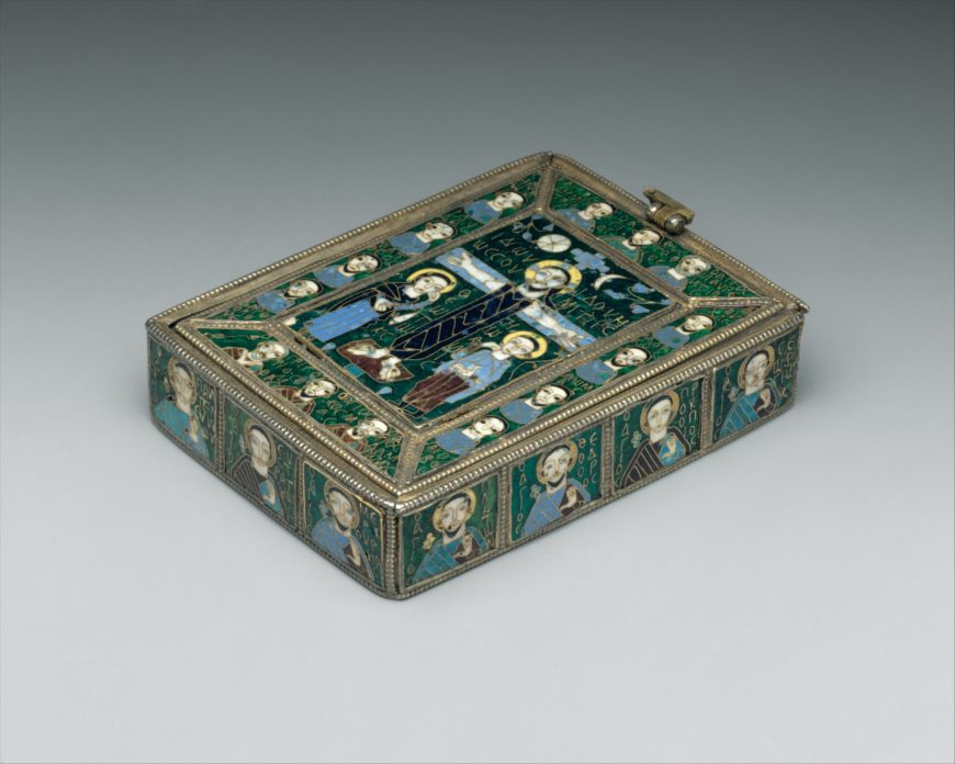 """The Fieschi Morgan Staurotheke, early 9th century, Byzantine, made in Constantinople (?), gilded silver, gold, enamel worked in cloisonné, and niello, 2.7 x 10.3 x 7.1 cm (<a href=""""https://www.metmuseum.org/art/collection/search/472562"""">The Metropolitan Museum of Art</a>)"""