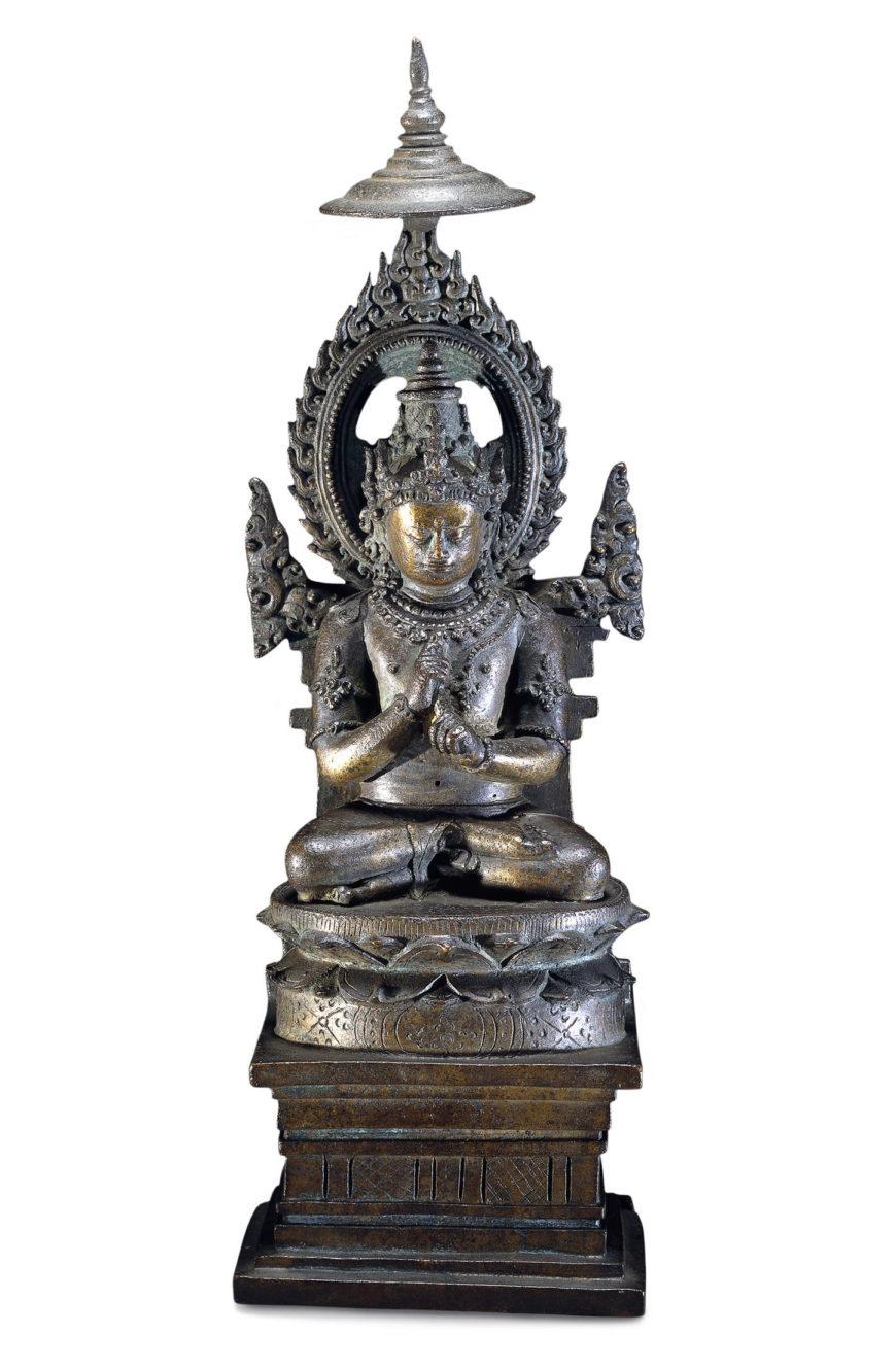 Buddha Vairocana, 10th century, cast bronze, found in Kedu, Java, Indonesia, 29 x 9.7 cm (© Trustees of the British Museum)