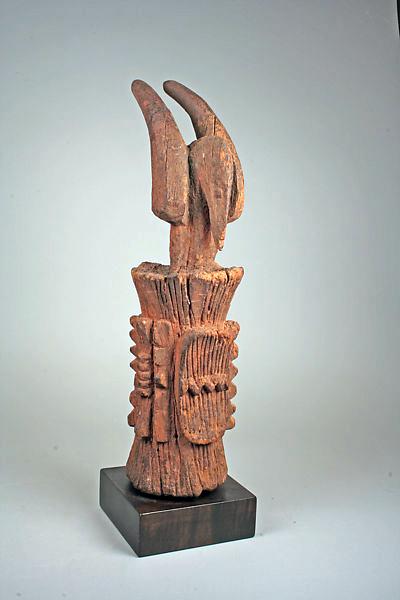 Ikenga, Igbo Peoples, Nigeria, 19th–20th century, wood, 41.6 x 11.1 cm (The Metropolitan Museum of Art)