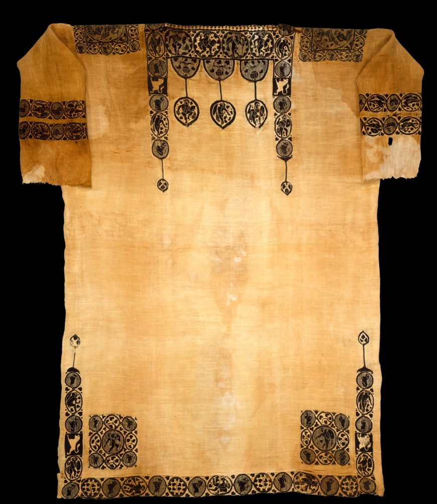 """Tunic with Dionysian Ornament, probably fifth century, said to be from Panopolis (Akhmim, Egypt), linen and wool, c. 183 x 135 cm (<a href=""""https://www.metmuseum.org/art/collection/search/447844"""">The Metropolitan Museum of Art</a>)"""