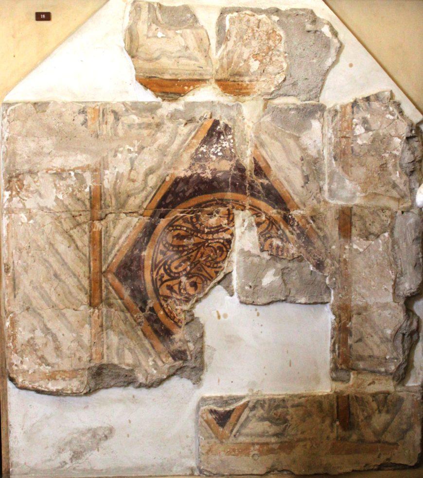 Painted imitation marbling, palace of Khirbat al-Mafjar, Palestine, 730-40s. Photo by Sean Leatherbury/Manar al-Athar.