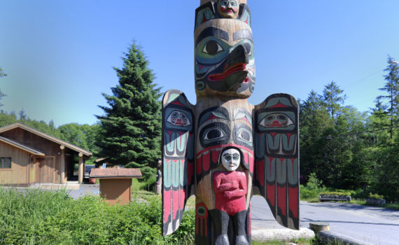 """1880s<br>Tlingit sovereignty and the Proud Raven (""""Lincoln"""") Pole"""