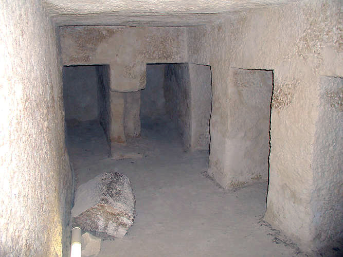 Pyramid of Menkaure, chamber with niches (photo: GDK)